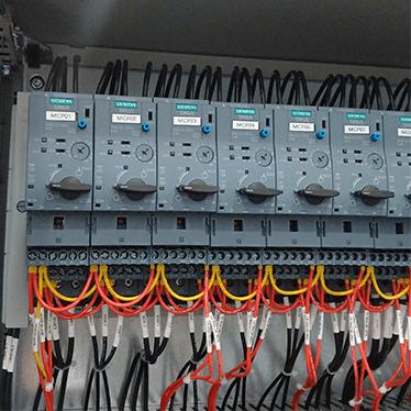 Siemens SIRIUS 3RA6 Success Story - E B  Horsman & Son